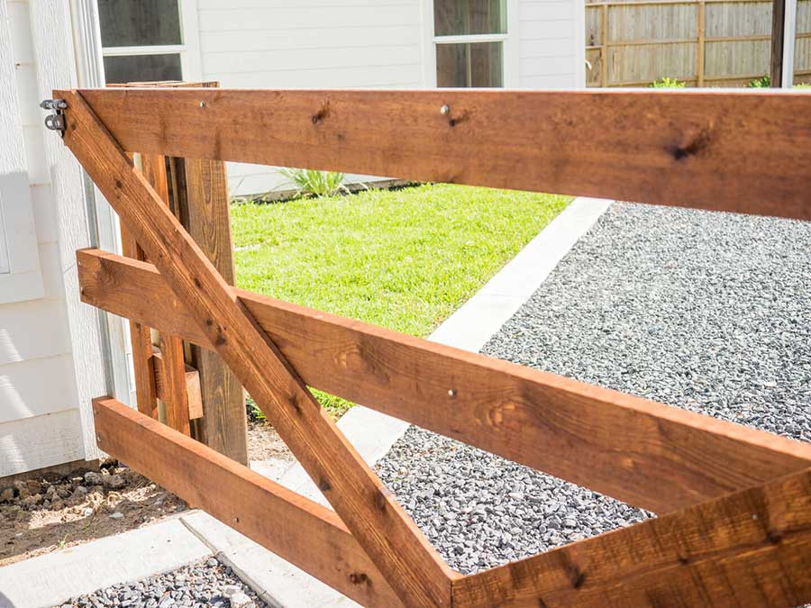 Residential Wood Fence Installation Houston Aber Fence
